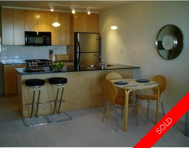 Downtown Apartment for sale:  1 bedroom 576 sq.ft. (Listed 2006-10-30)